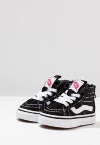 Vans - TD SK8 ZIP - Chaussures premiers pas - black/white - 3
