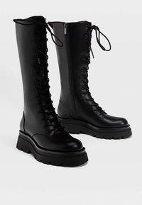Stradivarius - Šněrovací vysoké boty - black - 2