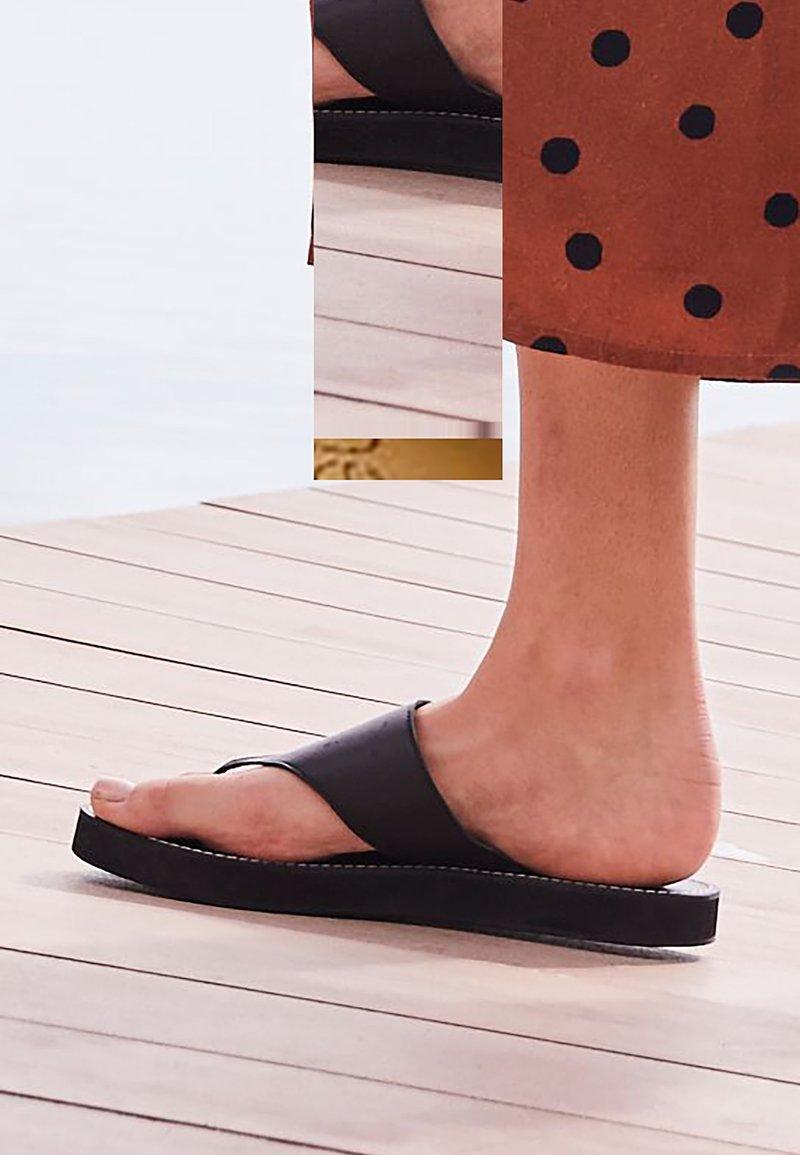 Next - T-bar sandals - black