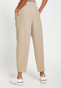 River Island - BALLOON SHAPED PEG  - Trousers - cream - 3