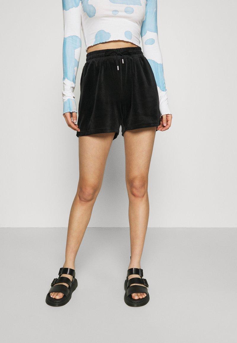 ONLY - ONLLAYA - Shorts - black