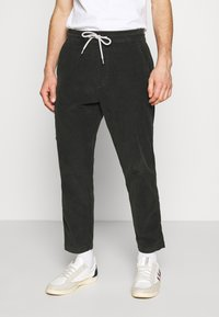 Levi's® - TAPER PULL ON II - Chinos - pirate black - 0