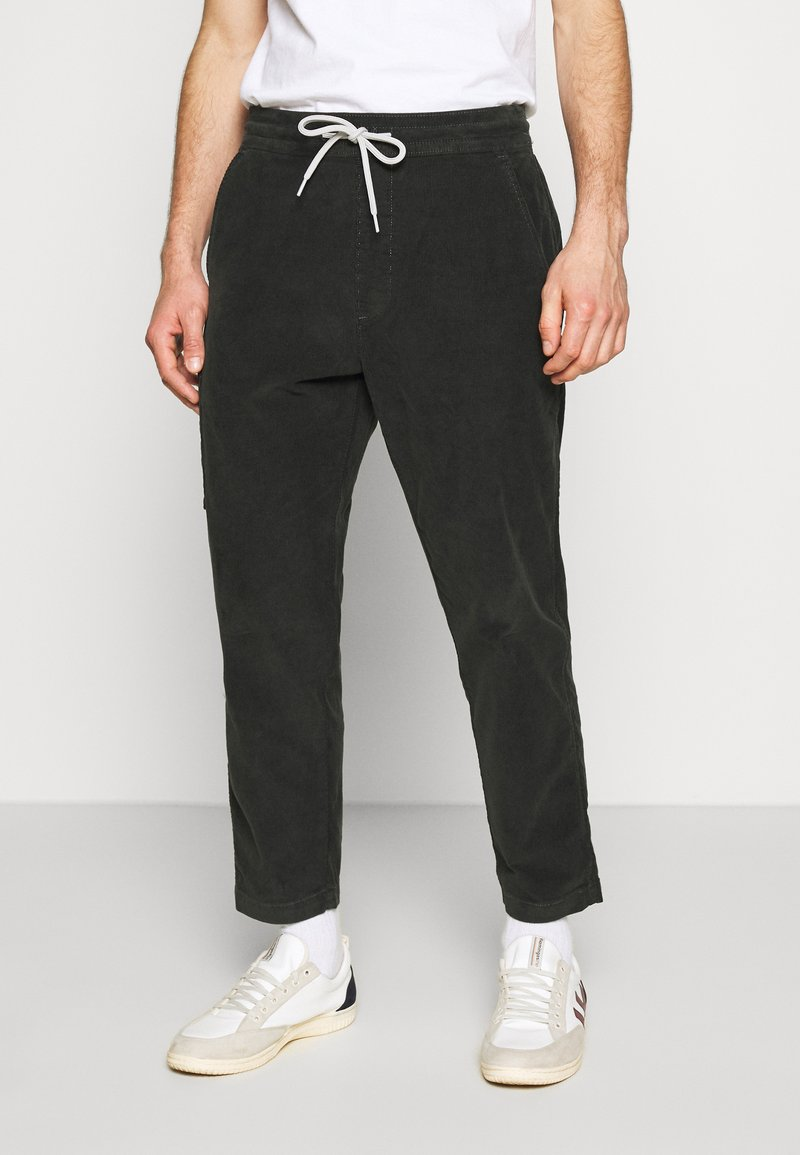 Levi's® - TAPER PULL ON II - Chinos - pirate black
