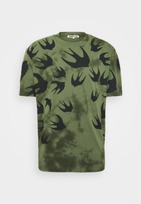McQ Alexander McQueen - DROPPED SHOULDER - Print T-shirt - military khaki - 6