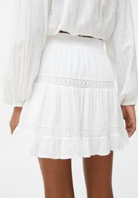 PULL&BEAR - Mini skirt - off-white - 6
