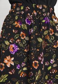 Pieces - PCFALISHI SKIRT - A-line skirt - black/flowers - 4