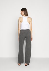 CHINTI & PARKER - ESSENTIALS WIDE LEG PANT - Broek - grey - 2