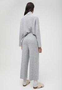 PULL&BEAR - Pantaloni - grey - 2