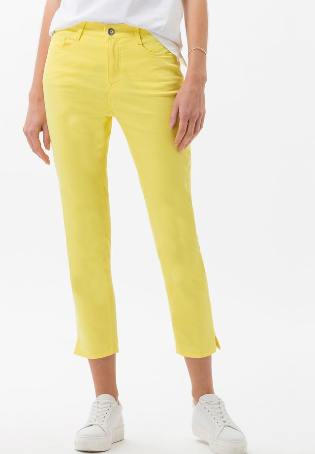 STYLE CARO  - Jeans slim fit - yellow