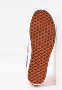 Vans - CLASSIC UNISEX - Slip-ons - knockout pink/true white - 6