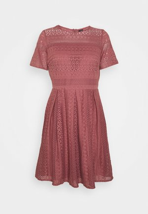 VMHONEY PLEATED DRESS - Kjole - rose brown