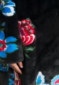 Vivetta - FUR COAT - Classic coat - black - 7
