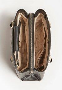 Guess - Handbag - schwarz - 2