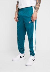 Nike Sportswear - TEARAWAY  - Pantalones deportivos - geode teal/sail - 0