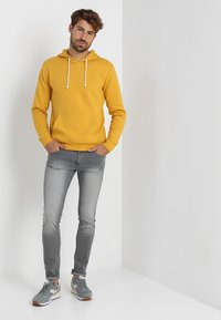Pier One - Sweat à capuche - yellow - 1