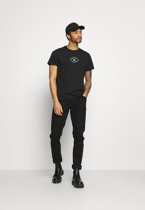 Calvin Klein Jeans MONOTRIANGLE TEE - T-shirt z nadrukiem - black/czarny Odzież Męska BYQA