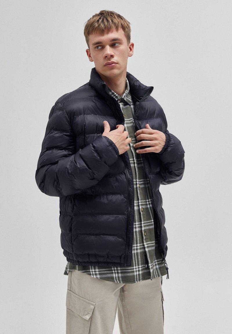PULL&BEAR - Winter jacket - black