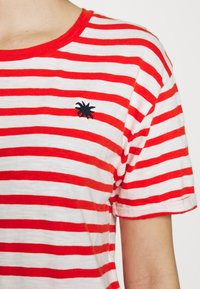 Scotch & Soda - EASY STRIPE TEE WITH CHEST EMBROIDERY - Triko s potiskem - combo - 4