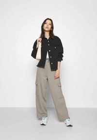 Topshop - SLOUCH UTILITY JOGGER - Tracksuit bottoms - taupe - 1