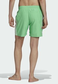 adidas Originals - 3-STRIPES SWIMS ORIGINALS ADICOLOR PRIMEGREEN SWIM SHORTS - Zwemshorts - green - 1