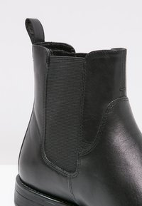 Vagabond - AMINA - Classic ankle boots - black - 6