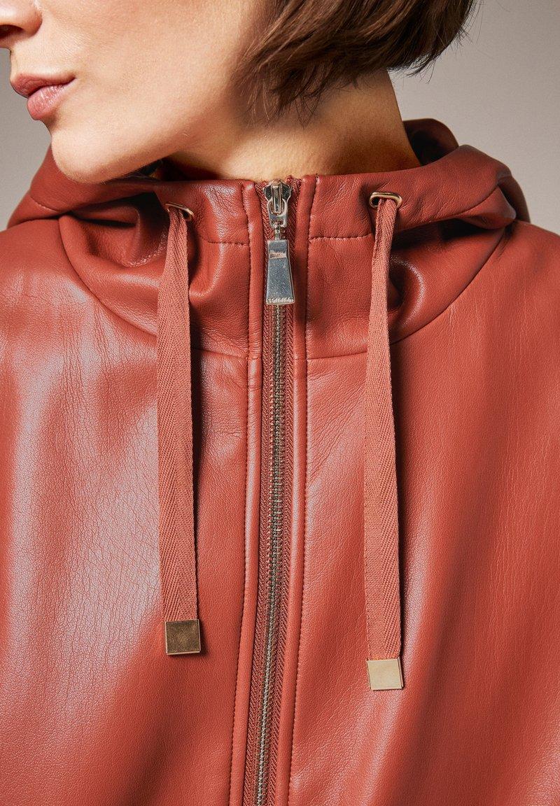 comma - Faux leather jacket - cinnamon