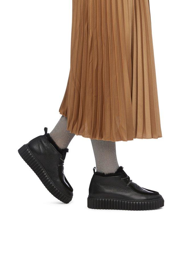Lace-ups - schwarz