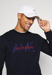 Scotch & Soda - CREWNECK WITH LOGO ARTWORK - Sweatshirt - night - 3
