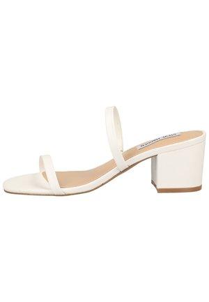 STEVE MADDEN PANTOLETTEN - Heeled mules - white 002