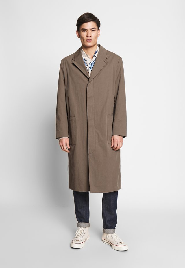 HIGH COAT - Villakangastakki - brown