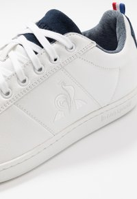 le coq sportif - COURTCLASSIC - Sneakers - optical white/dress blue - 5