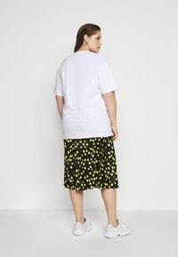 Simply Be - SLOGAN - Print T-shirt - white - 2