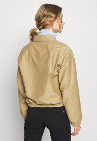 The North Face - WOMEN'S COACH JACKET - Outdoor jacket - kelp tan - 2