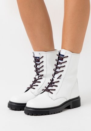 DOUBLE DETAIL LACE UP BOOT - Lace-up ankle boots - white