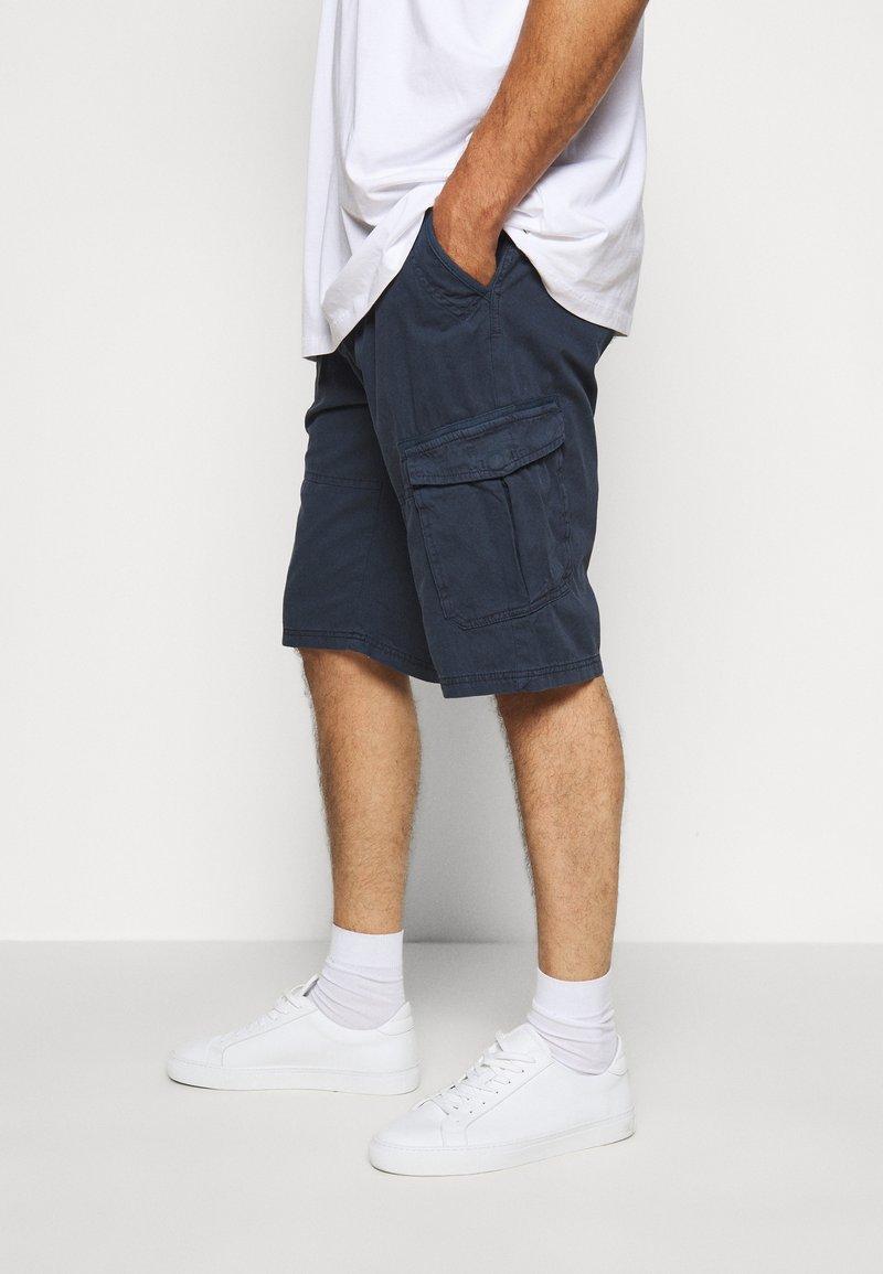 Jack´s Sportswear - CARGO KNICKERS WITH BELT - Shorts - dunkelblau