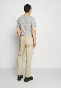 Joseph - ETTRICK - Spodnie materiałowe - sand - 2