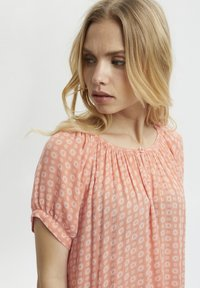 Kaffe - Tunic - coral and chalk small graphic - 2