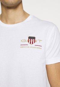 GANT - ARCHIVE SHIELD - T-shirt med print - white - 5