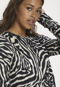 Kaffe - Day dress - black/beige zebra print - 2