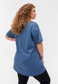 Zizzi - Basic T-shirt - grey - 2