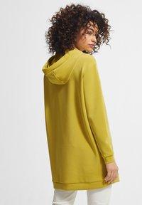 comma - Hoodie - yellow - 2