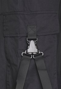 Sixth June - STRAP PANTS - Pantaloni cargo - black - 2