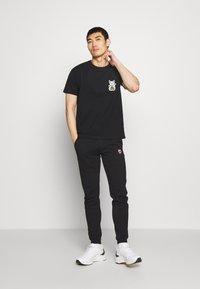 Bricktown - LUCKYCAT - T-shirt print - black - 1