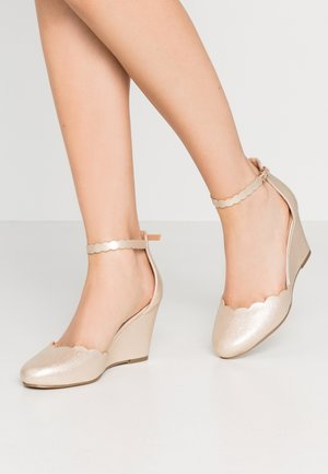 Bridal shoes - soft gold