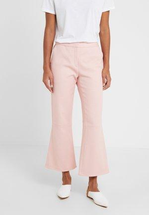 VERCANO - Spodnie materiałowe - pale rose
