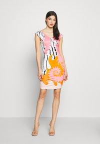 Just Cavalli - Pouzdrové šaty - pink variant - 1