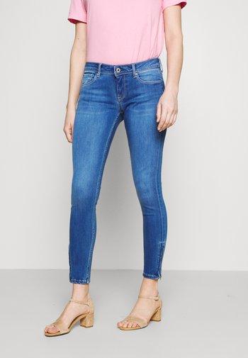 LOLA ZIP - Jeans Skinny Fit - denim