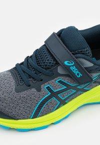 ASICS - GT-1000 10 UNISEX - Zapatillas de running estables - french blue/digital aqua - 5
