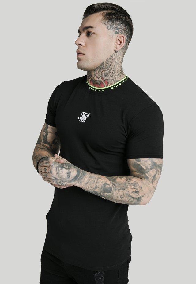 HEM TAPE COLLAR GYM TEE - Basic T-shirt - black