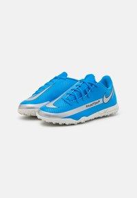 Nike Performance - JR PHANTOM GT CLUB TF UNISEX - Astro turf trainers - photo blue/metallic silver/rage green - 1